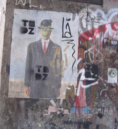 Graffity of a bourgoise man in barcelona